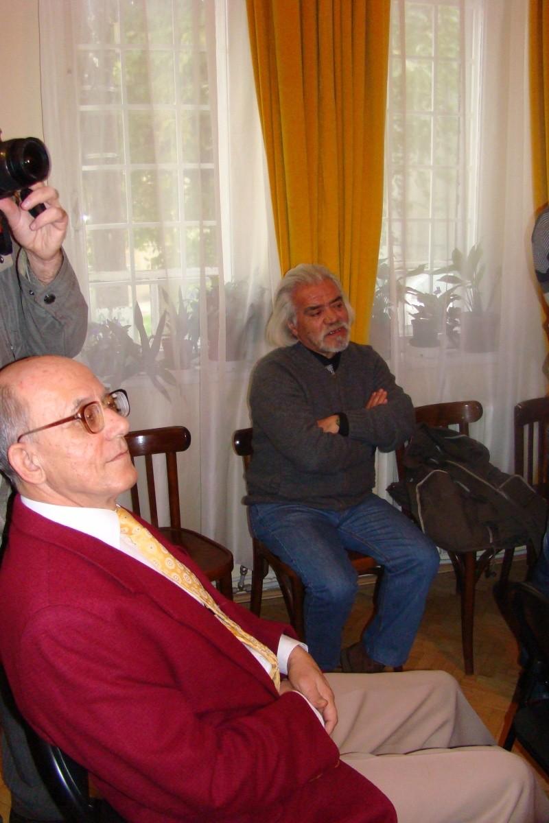 """Lansare de carte """"Triumful Indolenţilor""""- Mihai Batog Bujeniţă-18 nov 2012 Dsc05126"""