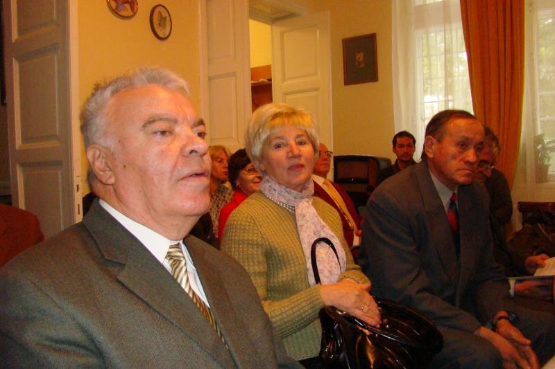 """Lansare de carte """"Triumful Indolenţilor""""- Mihai Batog Bujeniţă-18 nov 2012 Dsc05128"""