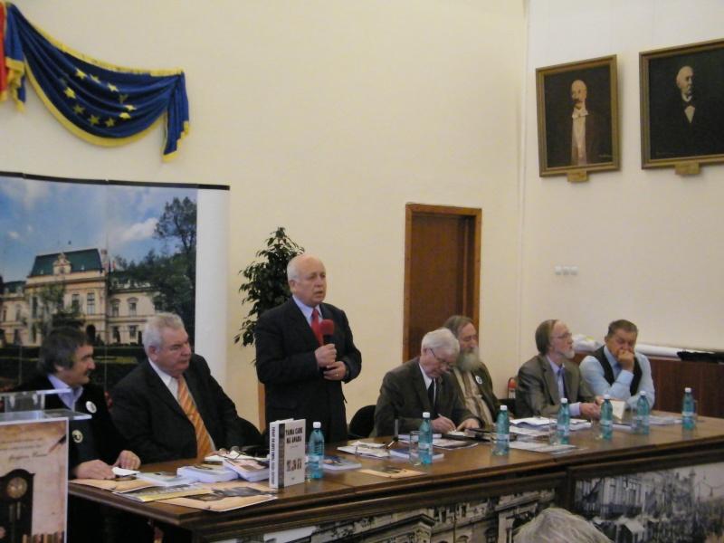 """Festivalul Internaţional de Poezie """"Grigore Vieru""""-Iasi si Chisinau- editia 2011  Dscf0011"""