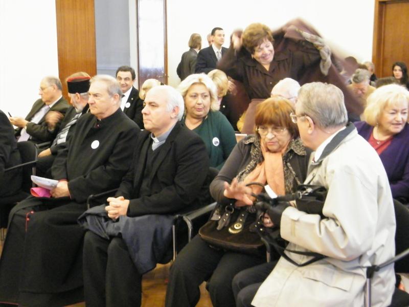 """Festivalul Internaţional de Poezie """"Grigore Vieru""""-Iasi si Chisinau- editia 2011  Dscf0013"""