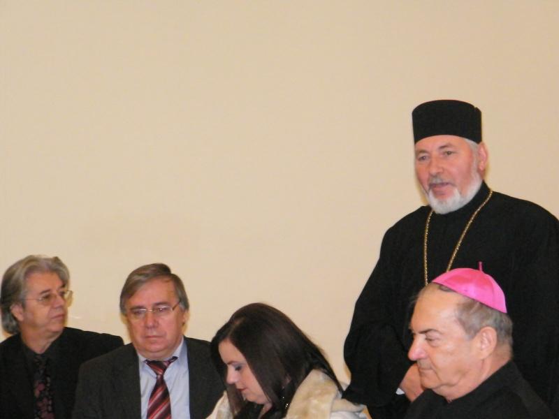 """Festivalul Internaţional de Poezie """"Grigore Vieru""""-Iasi si Chisinau- editia 2011  Dscf0015"""