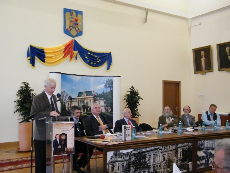 """Festivalul Internaţional de Poezie """"Grigore Vieru""""-Iasi si Chisinau- editia 2011  Dscf0017"""