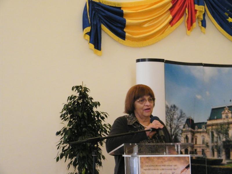 """Festivalul Internaţional de Poezie """"Grigore Vieru""""-Iasi si Chisinau- editia 2011  Dscf0018"""