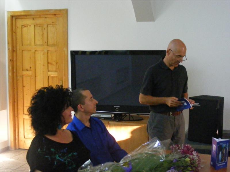 Şedinţa a XVII-a Cenaclului U.P.-Lansare de carte-Ovidiu Raul Vasiliu-22 sept 2011 Dscf6513