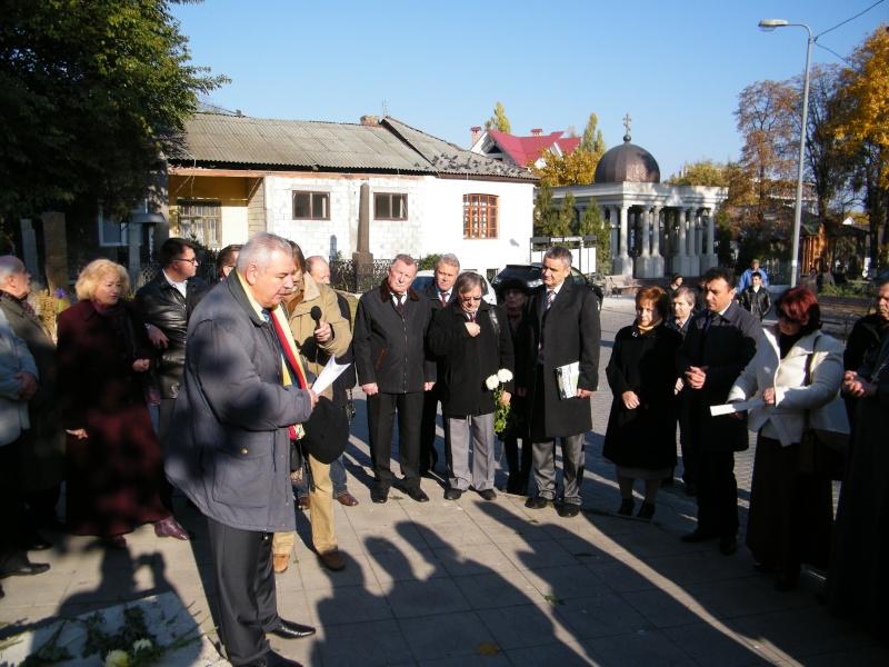 """Festivalul Internaţional de Poezie """"Grigore Vieru""""-Iasi si Chisinau- editia 2011  Dscf9611"""
