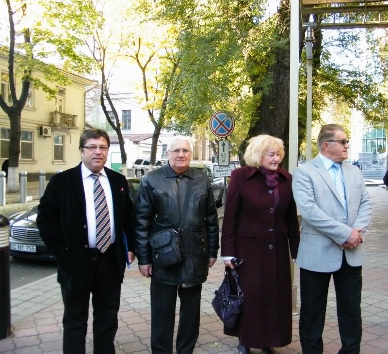 """Festivalul Internaţional de Poezie """"Grigore Vieru""""-Iasi si Chisinau- editia 2011  Dscf9625"""