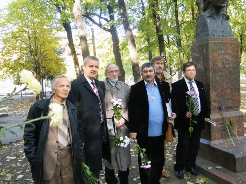 """Festivalul Internaţional de Poezie """"Grigore Vieru""""-Iasi si Chisinau- editia 2011  Dscf9629"""