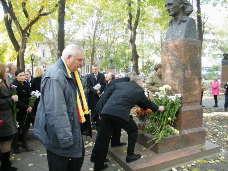 """Festivalul Internaţional de Poezie """"Grigore Vieru""""-Iasi si Chisinau- editia 2011  Dscf9630"""