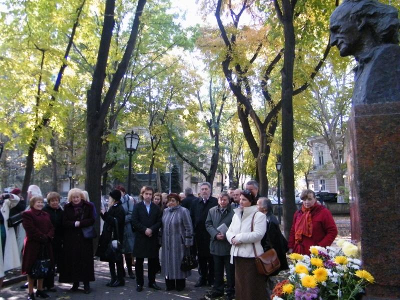 """Festivalul Internaţional de Poezie """"Grigore Vieru""""-Iasi si Chisinau- editia 2011  Dscf9710"""