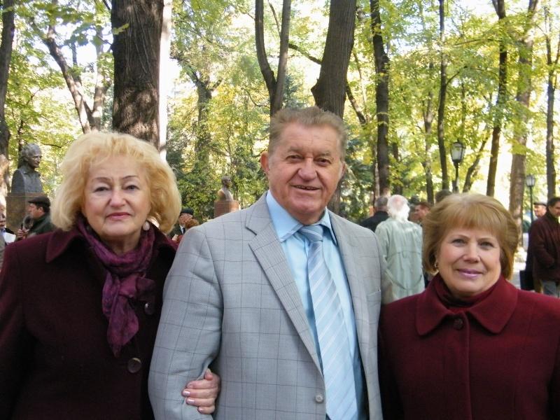 """Festivalul Internaţional de Poezie """"Grigore Vieru""""-Iasi si Chisinau- editia 2011  Dscf9713"""