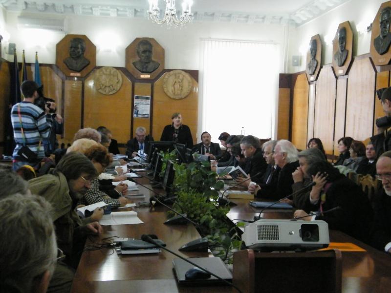 """Festivalul Internaţional de Poezie """"Grigore Vieru""""-Iasi si Chisinau- editia 2011  Dscf9811"""