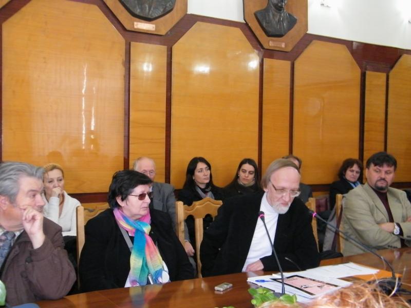 """Festivalul Internaţional de Poezie """"Grigore Vieru""""-Iasi si Chisinau- editia 2011  Dscf9815"""