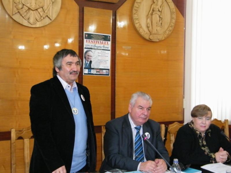 """Festivalul Internaţional de Poezie """"Grigore Vieru""""-Iasi si Chisinau- editia 2011  Dscf9818"""