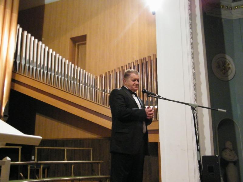 """Festivalul Internaţional de Poezie """"Grigore Vieru""""-Iasi si Chisinau- editia 2011  Dscf9821"""