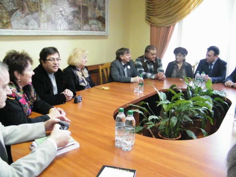 """Festivalul Internaţional de Poezie """"Grigore Vieru""""-Iasi si Chisinau- editia 2011  Dscf9910"""