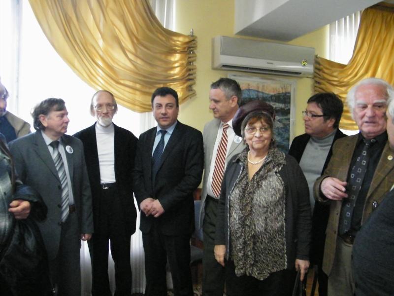 """Festivalul Internaţional de Poezie """"Grigore Vieru""""-Iasi si Chisinau- editia 2011  Dscf9911"""
