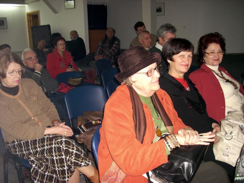 """Lansarea volumului """"Surâsul meu Gothic"""" -Dorina Neculce în cadrul Colocviului- """"Estetica gotică şi ecouri moderne""""-10 dec 2011 Dscn0416"""