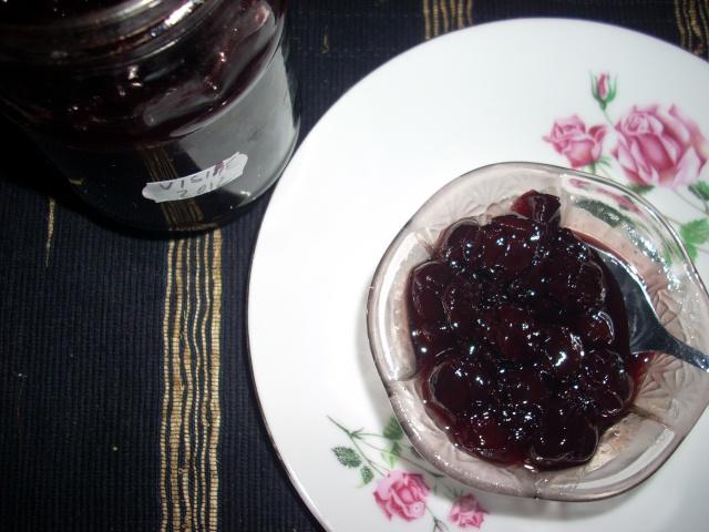 Dulceţuri tradiţionale, siropuri, gemuri, compot pt.iarna şi fructe confiate. Dulcea11