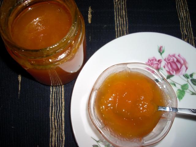 Dulceţuri tradiţionale, siropuri, gemuri, compot pt.iarna şi fructe confiate. Dulcea12