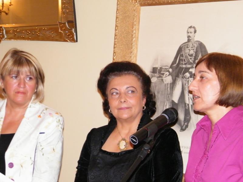 DOAMNA ELENA CUZA UN DESTIN PENTRU ROMÂNIA   Elena_24