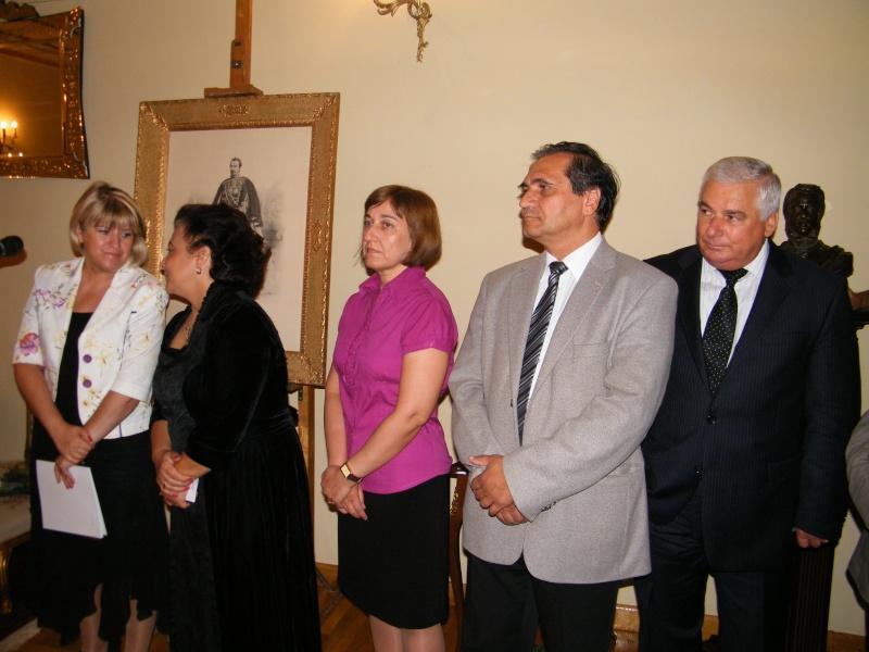 DOAMNA ELENA CUZA UN DESTIN PENTRU ROMÂNIA   Elena_25