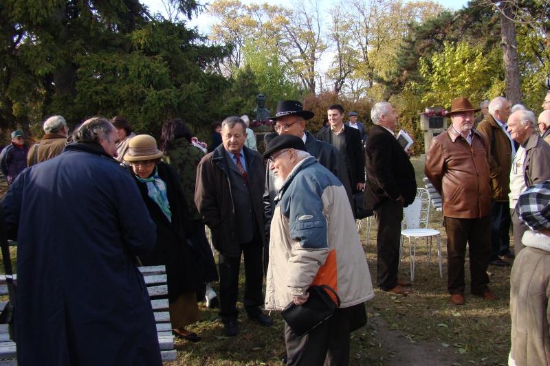 """FESTIVALUL CONCURS NAŢIONAL DE PROZĂ  """"MIHAIL SADOVEANU""""EDIŢIA a II-a, IAŞI, 4-6 noiembrie 2011 Festi100"""