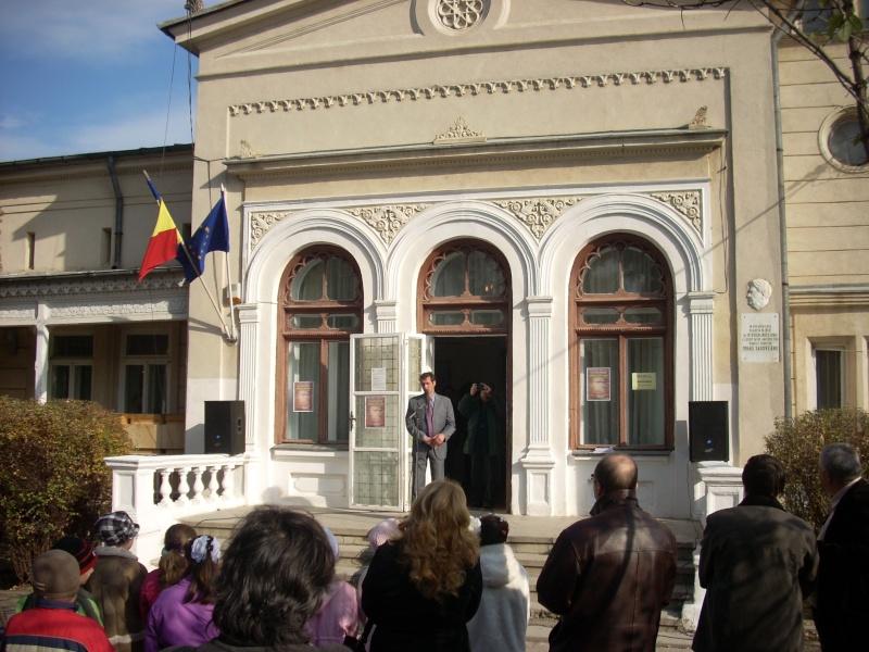 """FESTIVALUL CONCURS NAŢIONAL DE PROZĂ  """"MIHAIL SADOVEANU""""EDIŢIA a II-a, IAŞI, 4-6 noiembrie 2011 Festi102"""