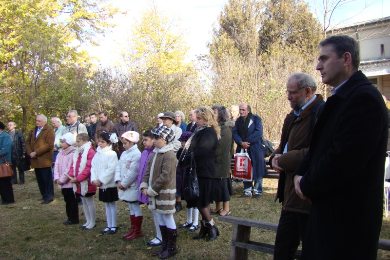 """FESTIVALUL CONCURS NAŢIONAL DE PROZĂ  """"MIHAIL SADOVEANU""""EDIŢIA a II-a, IAŞI, 4-6 noiembrie 2011 Festi103"""