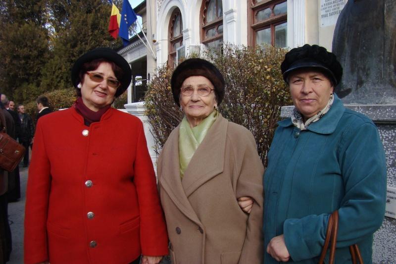 """FESTIVALUL CONCURS NAŢIONAL DE PROZĂ  """"MIHAIL SADOVEANU""""EDIŢIA a II-a, IAŞI, 4-6 noiembrie 2011 Festi104"""
