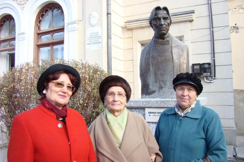 """FESTIVALUL CONCURS NAŢIONAL DE PROZĂ  """"MIHAIL SADOVEANU""""EDIŢIA a II-a, IAŞI, 4-6 noiembrie 2011 Festi105"""