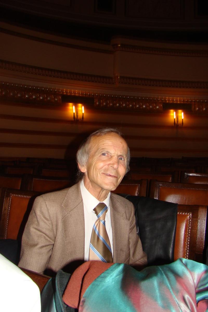 """Festivalul Internaţional de Poezie """"Grigore Vieru""""-Iasi si Chisinau- editia 2011  Festiv24"""