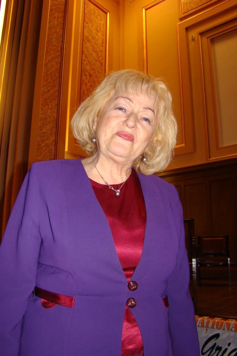 """Festivalul Internaţional de Poezie """"Grigore Vieru""""-Iasi si Chisinau- editia 2011  Festiv25"""