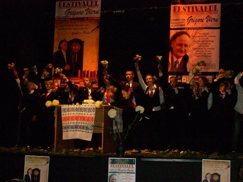 """Festivalul Internaţional de Poezie """"Grigore Vieru""""-Iasi si Chisinau- editia 2011  Festiv43"""