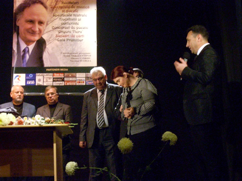 """Festivalul Internaţional de Poezie """"Grigore Vieru""""-Iasi si Chisinau- editia 2011  Festiv52"""
