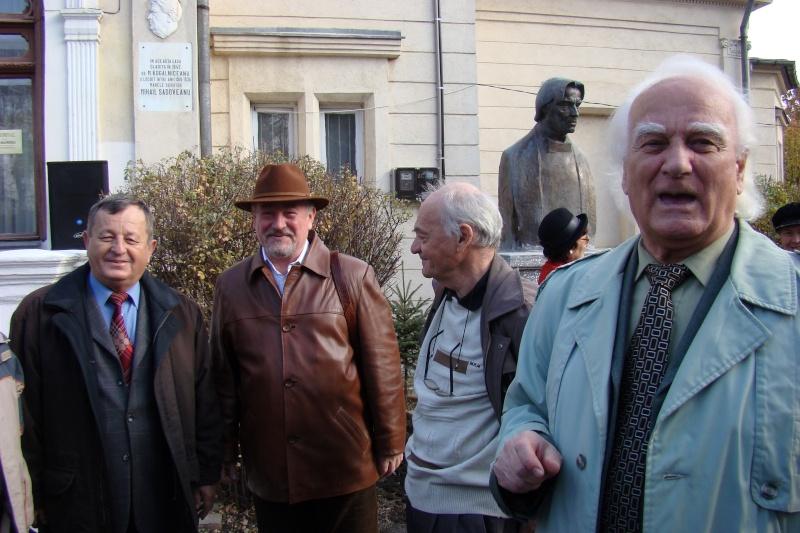 """FESTIVALUL CONCURS NAŢIONAL DE PROZĂ  """"MIHAIL SADOVEANU""""EDIŢIA a II-a, IAŞI, 4-6 noiembrie 2011 Festiv67"""