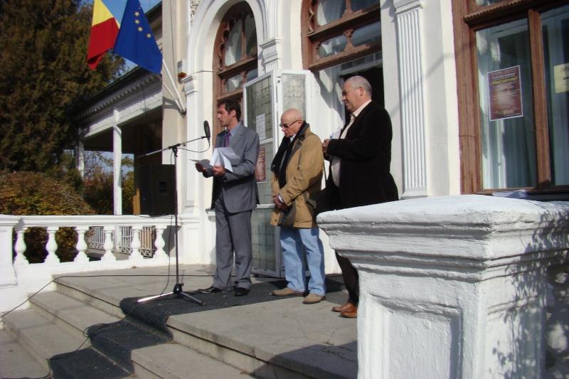 """FESTIVALUL CONCURS NAŢIONAL DE PROZĂ  """"MIHAIL SADOVEANU""""EDIŢIA a II-a, IAŞI, 4-6 noiembrie 2011 Festiv73"""
