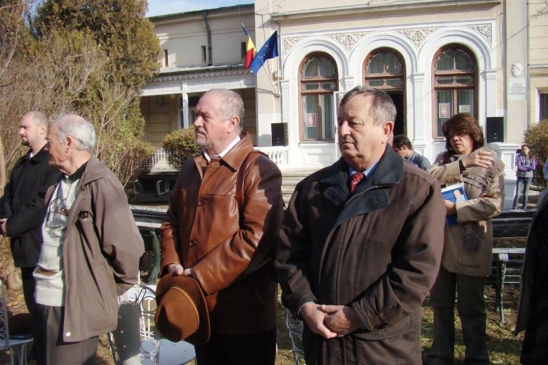 """FESTIVALUL CONCURS NAŢIONAL DE PROZĂ  """"MIHAIL SADOVEANU""""EDIŢIA a II-a, IAŞI, 4-6 noiembrie 2011 Festiv82"""