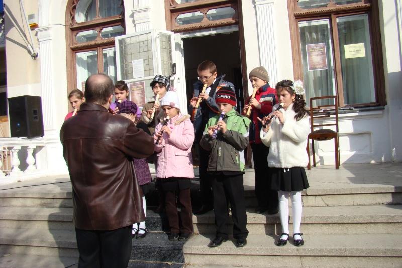 """FESTIVALUL CONCURS NAŢIONAL DE PROZĂ  """"MIHAIL SADOVEANU""""EDIŢIA a II-a, IAŞI, 4-6 noiembrie 2011 Festiv86"""