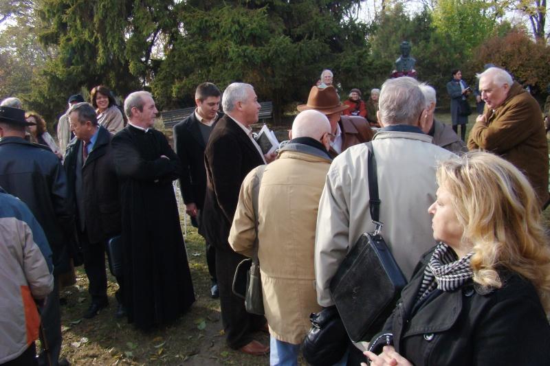 """FESTIVALUL CONCURS NAŢIONAL DE PROZĂ  """"MIHAIL SADOVEANU""""EDIŢIA a II-a, IAŞI, 4-6 noiembrie 2011 Festiv99"""