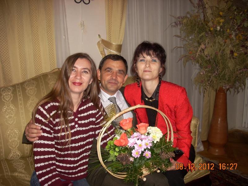 """Lansare """"Anonim pe ringul adolescenţei"""" de Liviu MIRON şi """"Reflecţii"""" de Vasilica Ilie-08 dec 2012 Floare16"""