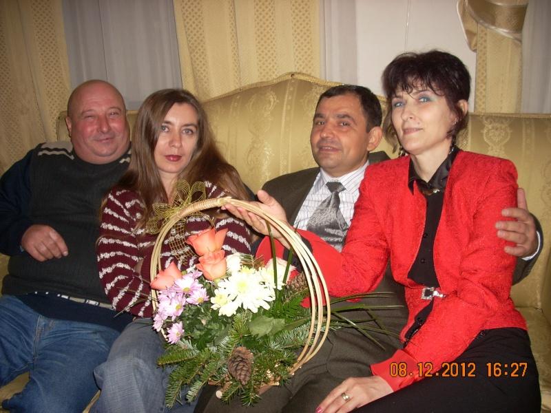 """Lansare """"Anonim pe ringul adolescenţei"""" de Liviu MIRON şi """"Reflecţii"""" de Vasilica Ilie-08 dec 2012 Floare18"""