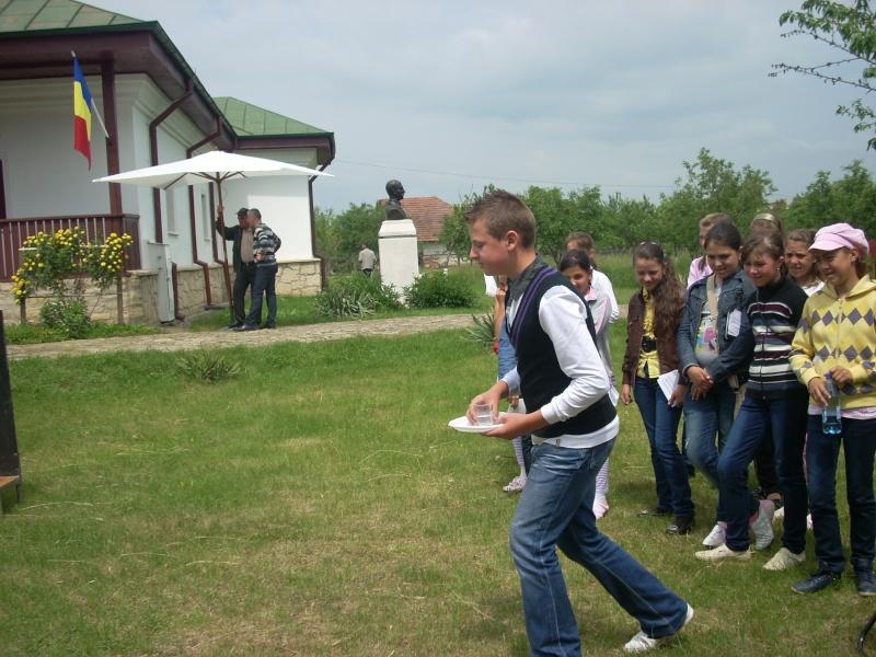 """""""Acasă la familia Negruzzi""""-20 mai 2012 Hermez30"""