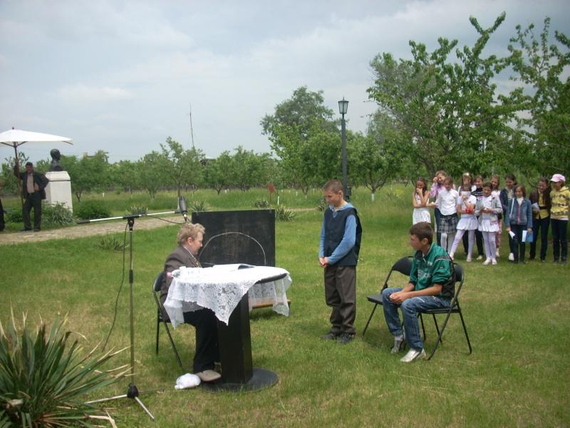 """""""Acasă la familia Negruzzi""""-20 mai 2012 Hermez37"""