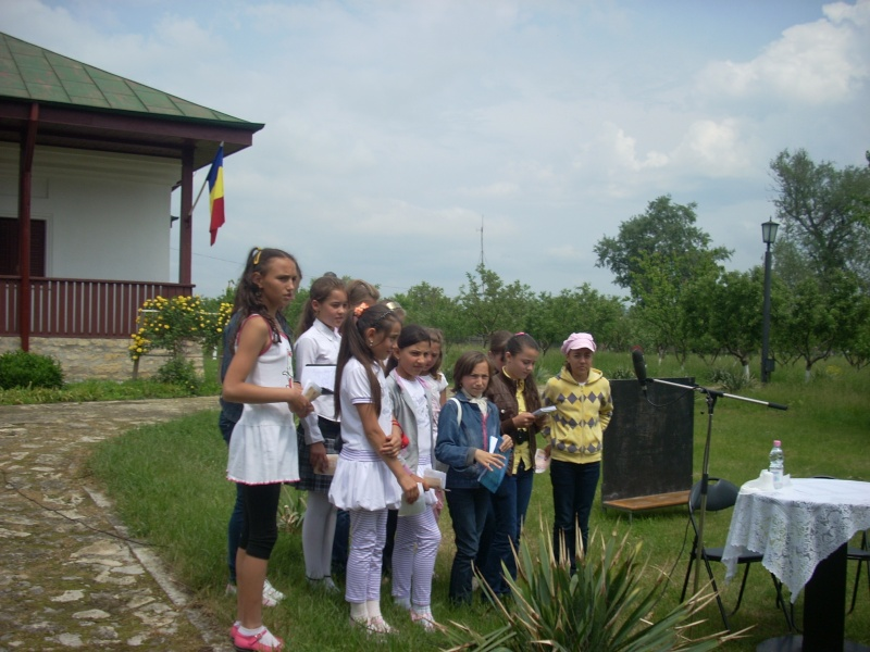 """""""Acasă la familia Negruzzi""""-20 mai 2012 Hermez38"""
