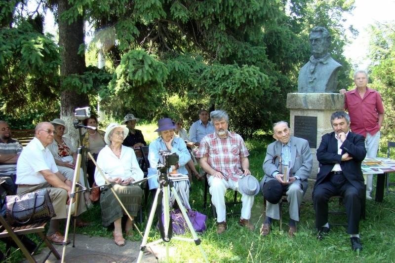 In memoriam-Alexandru Husar si Constantin Ciopraga Husar_11