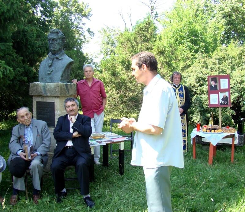 In memoriam-Alexandru Husar si Constantin Ciopraga Husar_12