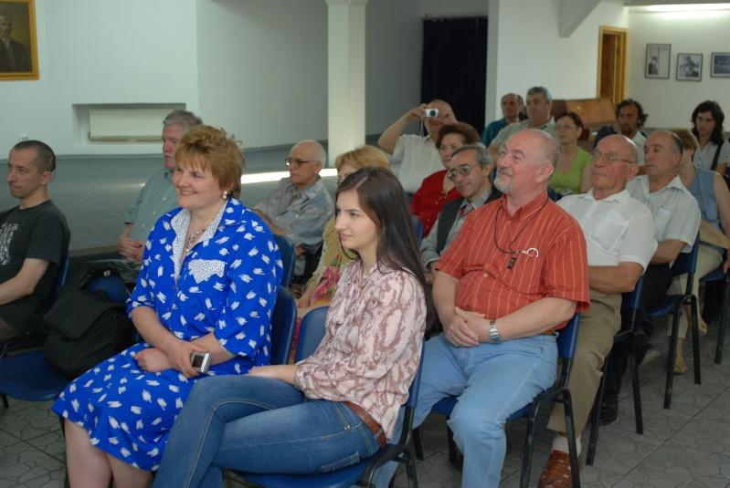 Lansare de cărţi - poezie gotică - Dorina NECULCE-11 mai 2012 K_0210