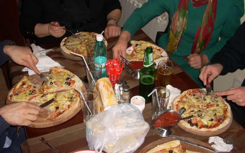 La o pizza cu prietenii La_o_p19