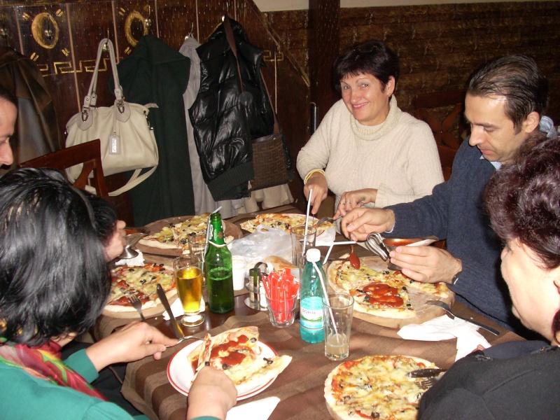 La o pizza cu prietenii La_o_p21