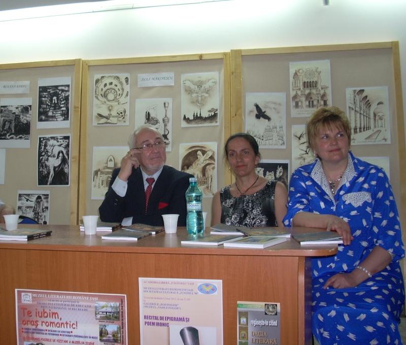 Lansare de cărţi - poezie gotică - Dorina NECULCE-11 mai 2012 Lansa102